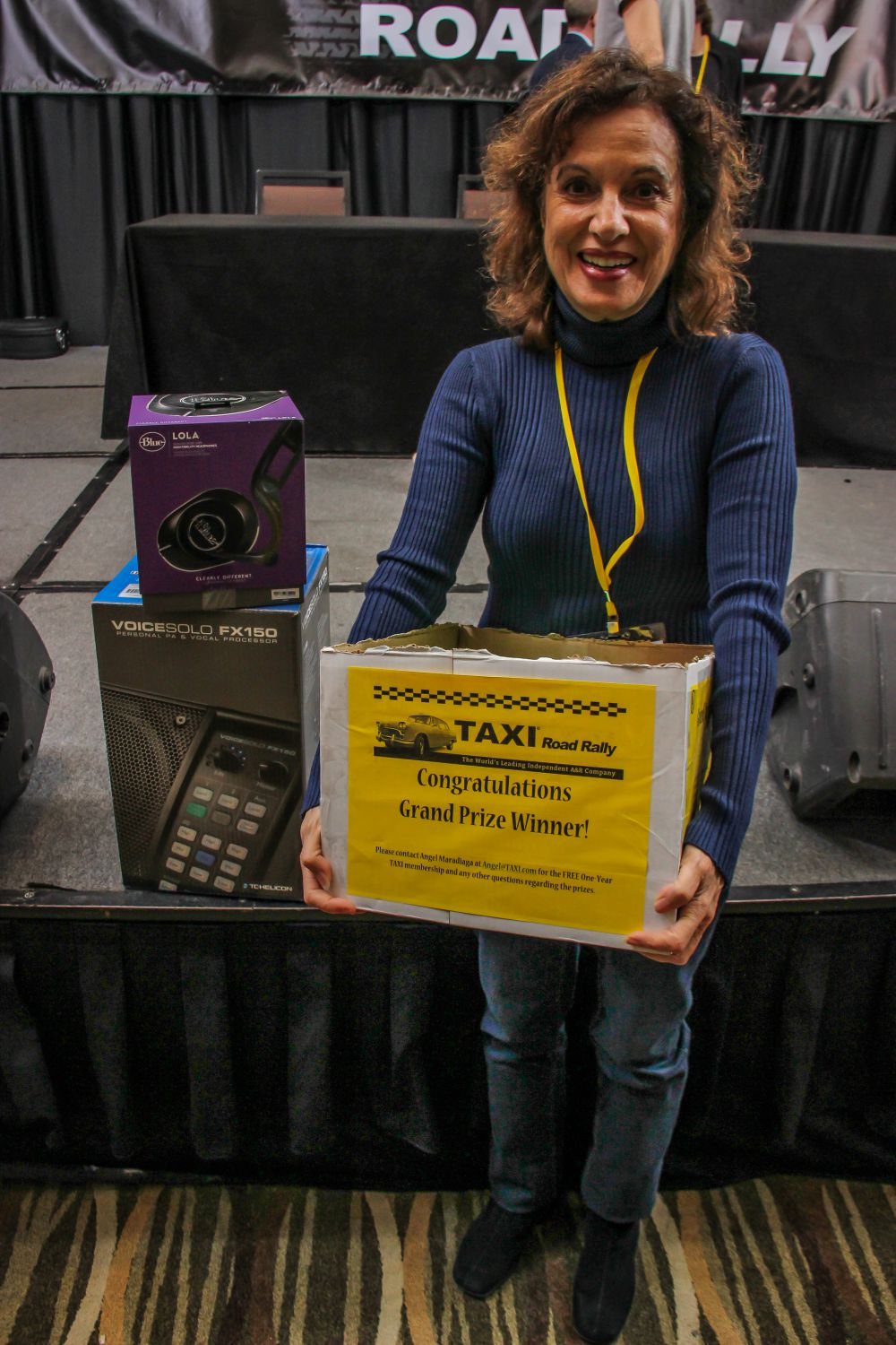 TAXI member Ariana Attie won one of the big door prizes worth about $3,000 in total! Nice going Ariana!