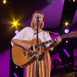 TAXI Member Maddie Poppe Sings